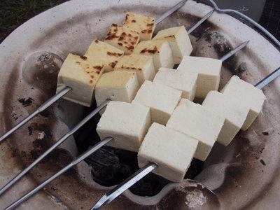 ほんのり焦げ始めた木綿豆腐。