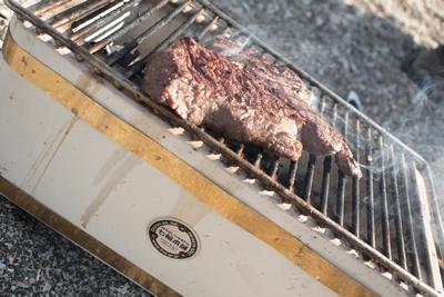 厚切りステーキと七輪