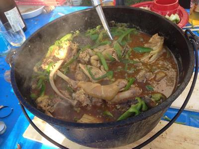 丸焼き豚のダッチオーブンカレー