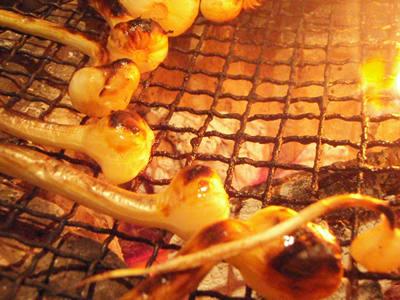 焼肉のおともにノビル七輪焼き。