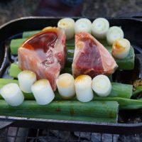 マグロカマのカット、七輪炭火焼BBQですき焼き仕立て