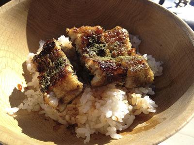 七輪と炊飯釜で作る最高の鰻丼完成